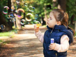 Адаптация в детском саду. На что стоит обратить внимание? Стадии и варианты адаптации, как помочь ребёнку адаптироваться в детском саду. Психолог Елена Ковалева